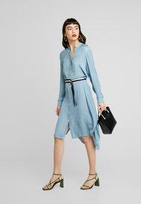 Saint Tropez - DRESS ON KNEE - Košilové šaty - blue - 2