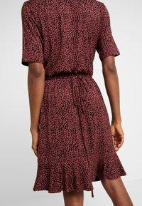 Saint Tropez - MINASZ WRAP DRESS - Jerseykjole - rubin - 5
