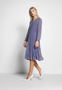 Saint Tropez - CRYSTAL DRESS - Košilové šaty - blue deep - 1