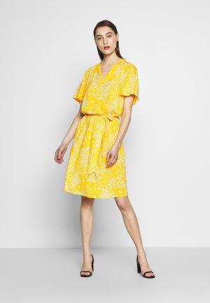 LOUISA DRESS - Vardagsklänning - yellow