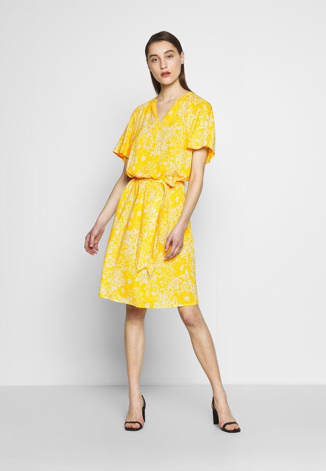 LOUISA DRESS - Korte jurk - yellow