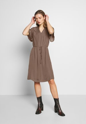 BILLE DRESS - Denní šaty - rain drum
