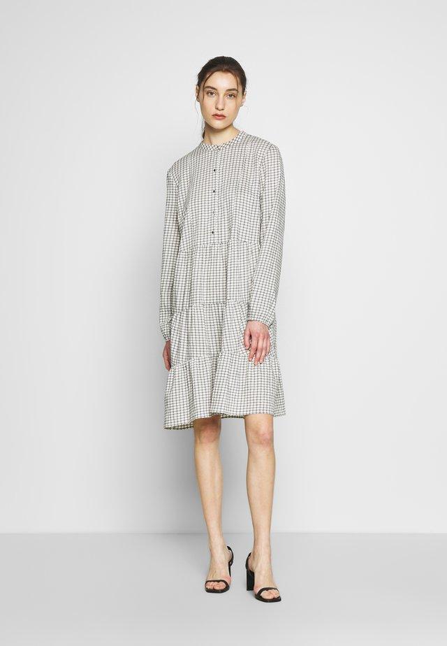 LEASZ DRESS - Korte jurk - bright white