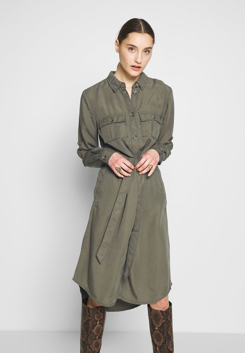 Saint Tropez - EMMASZ DRESS - Košilové šaty - army green