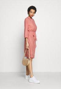 Saint Tropez - DRESS - Košilové šaty - desert sand - 1