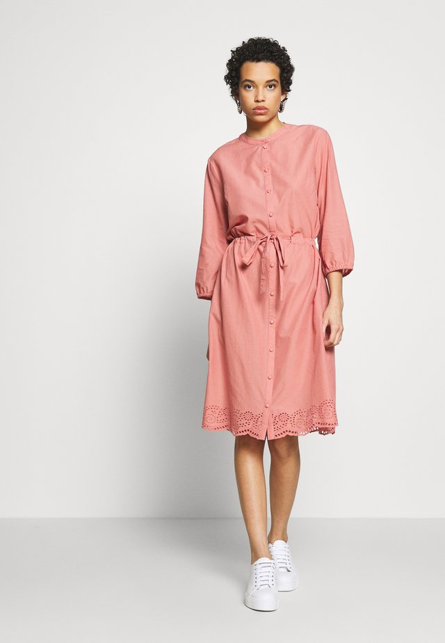 DRESS - Shirt dress - desert sand