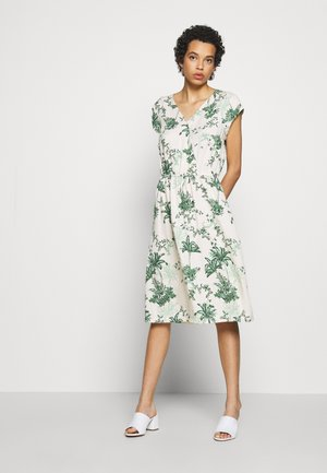 Denní šaty - creme