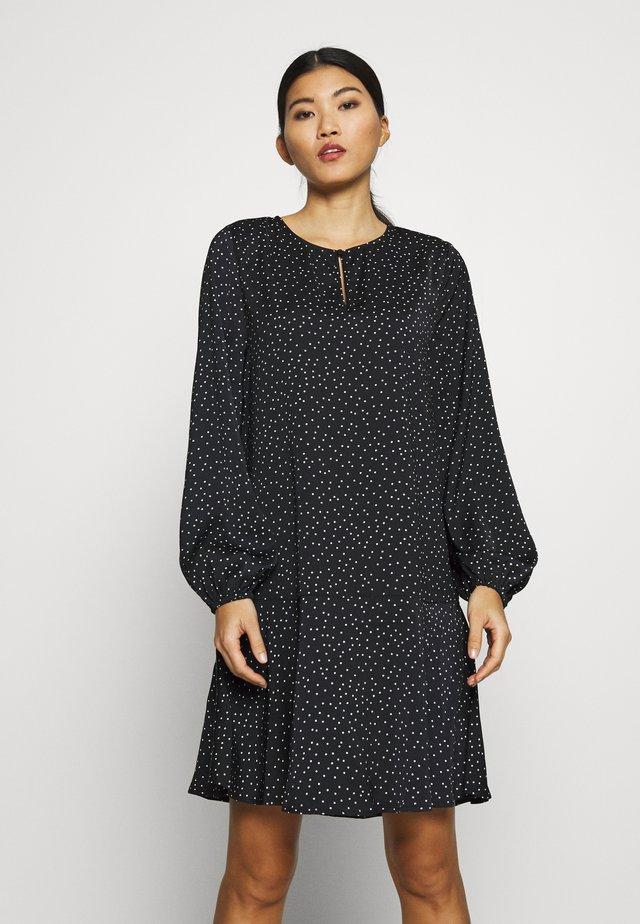 UIKKISZ DRESS - Korte jurk - black