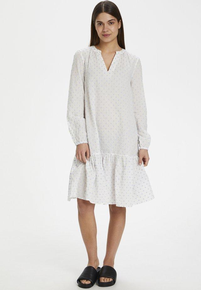 IRINASZ DRESS - Korte jurk - bright white