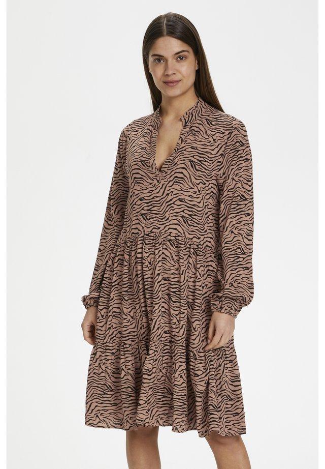 EDASZ  - Korte jurk - brown