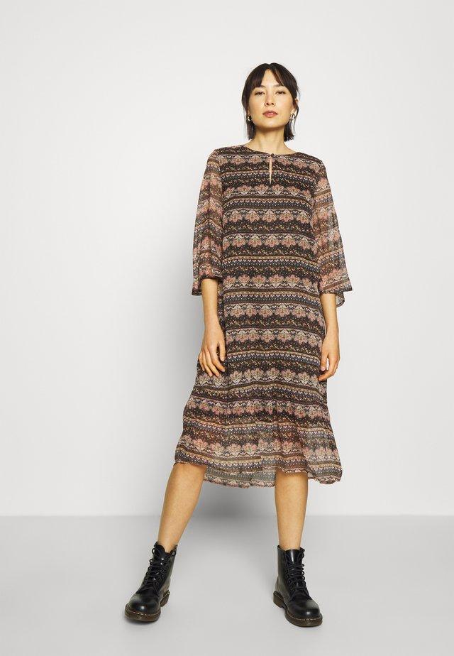 BABETTE DRESS BELOW KNEE - Sukienka letnia - black