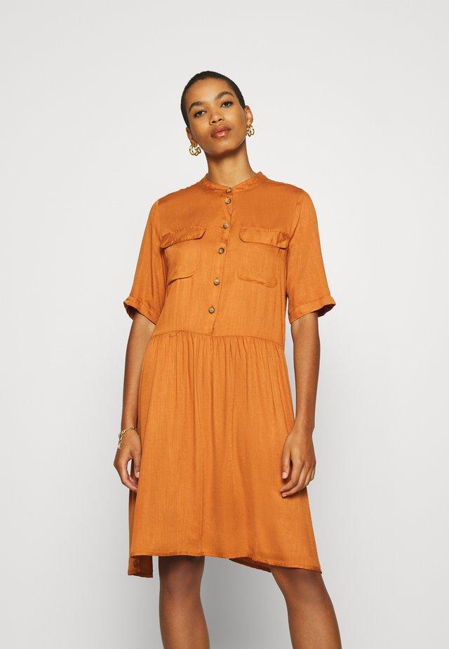 BAILE DRESS - Shirt dress - adobe