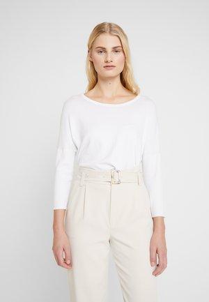 MILA R NECK - Jersey de punto - white