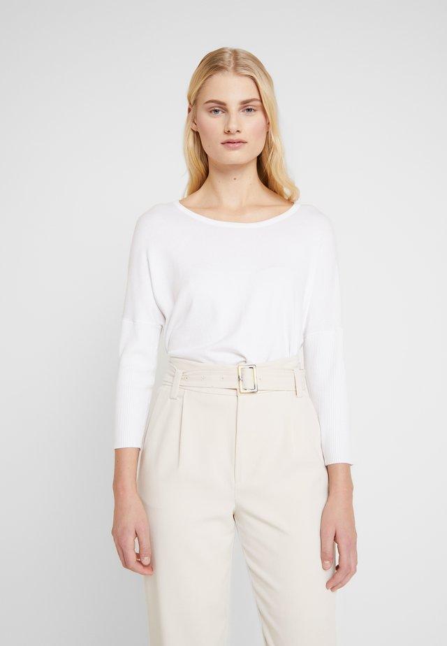 MILA NECK - Jersey de punto - white