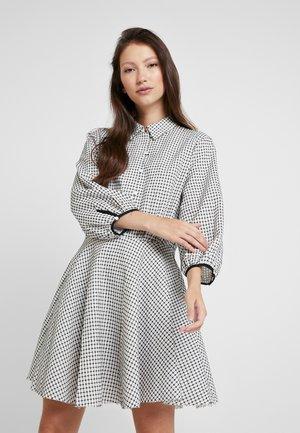 LAST MINUTE MINI DRESS - Robe chemise - black/ white