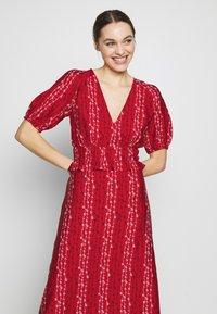 Stevie May - GRACIE MIDI DRESS - Day dress - red - 3