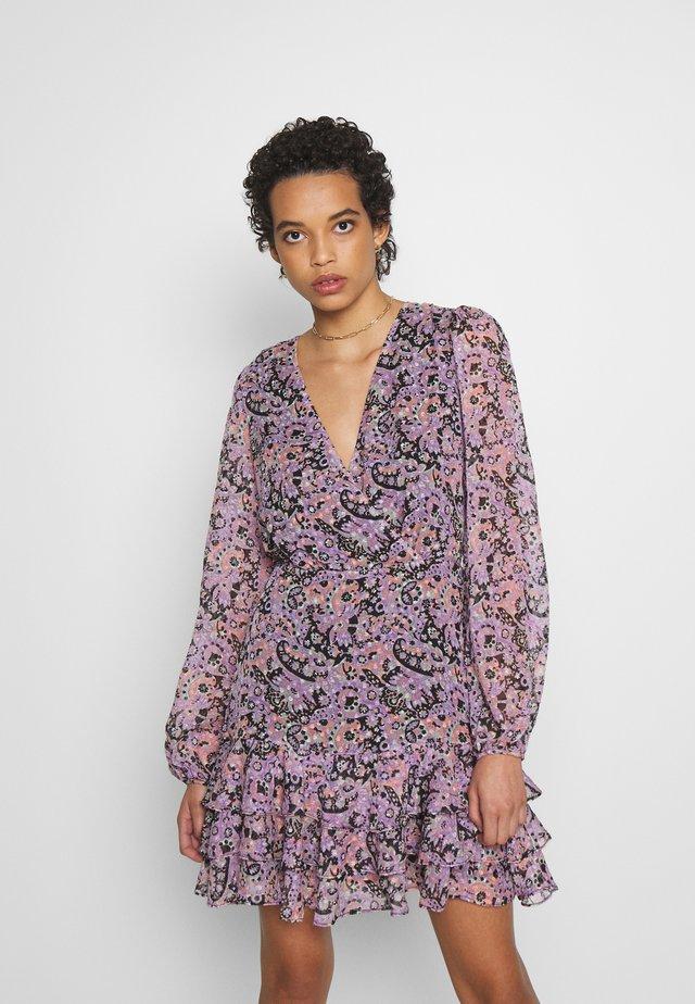 INTERLUDE MINI DRESS - Sukienka letnia - lilac