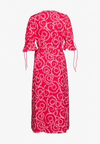 Stevie May - FIRE MIDI DRESS - Day dress - red - 1