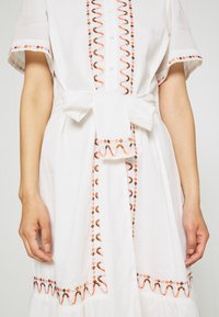 Stevie May - AFTERNOON EMBELLISHMENT - Shirt dress - off-white - 5