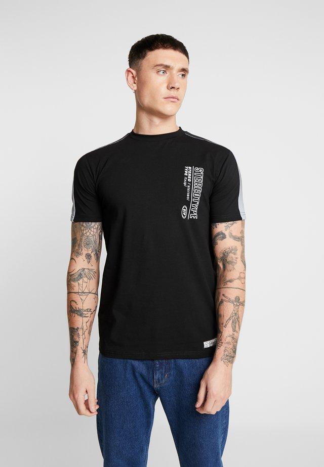 PANEL TEE - T-shirt z nadrukiem - black