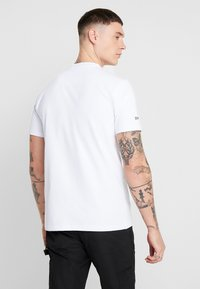 STEREOTYPE - SNARE TEE - Print T-shirt - white - 2