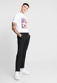 STEREOTYPE - SNARE TEE - Print T-shirt - white - 1