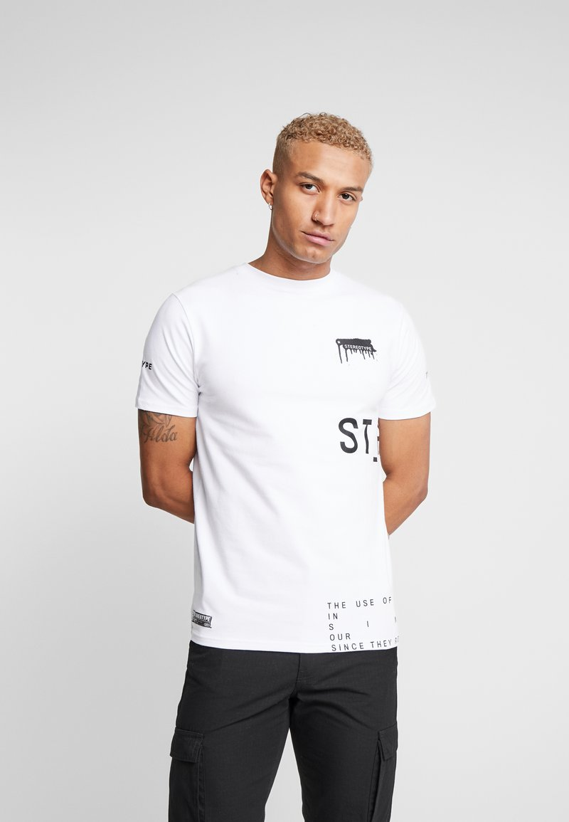STEREOTYPE - INSTRUCTIONS TEE - Triko s potiskem - white