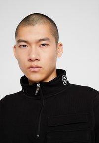 STEREOTYPE - TRANSMIT HALF ZIP - Sweatshirt - black - 3