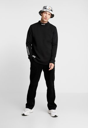 BASS FUNNEL NECK CREW - Felpa - black