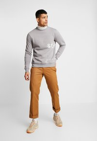 STEREOTYPE - INSTRUSTIONS CREW - Sweater - grey - 1