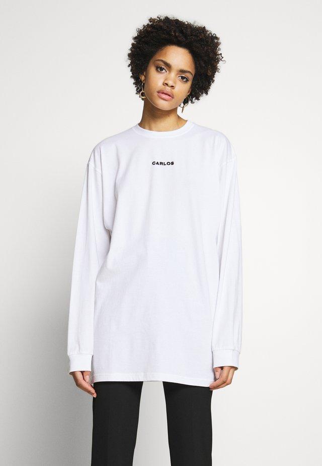CARLOS SKATESHIRT - Long sleeved top - white