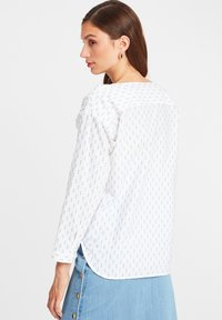 SoSUE - CELIA - Blouse - white blue