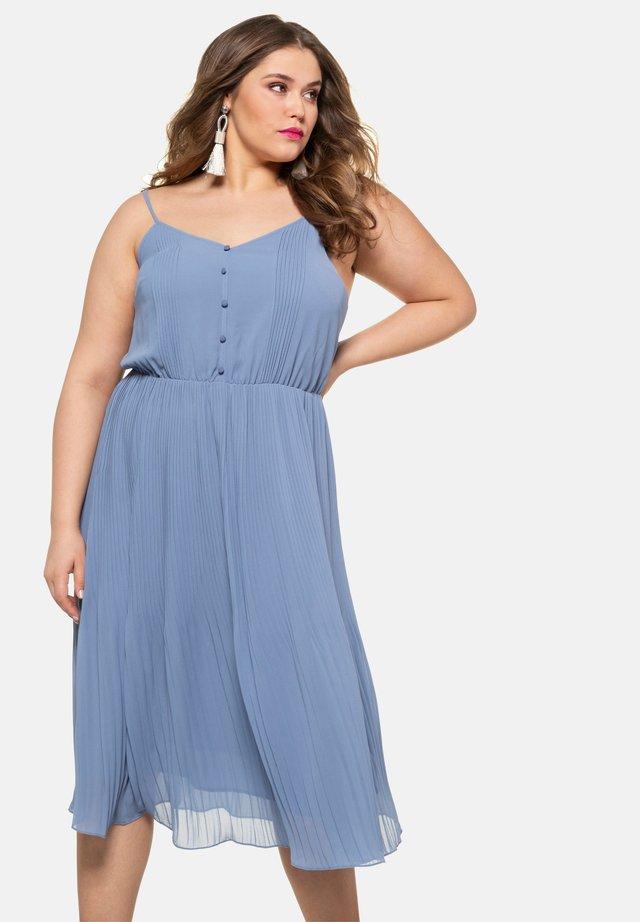 Day dress - blue-gray