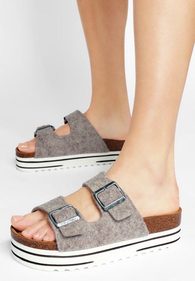 KATTIS - Sandaler - beige