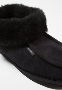 Shepherd - LENA - Chaussons - black - 2