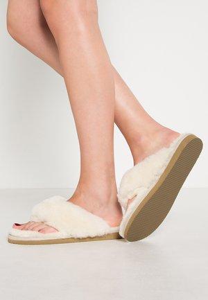 PERNILLA - Domácí obuv - creme