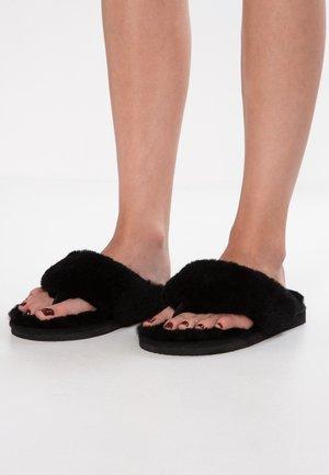 PERNILLA - Domácí obuv - black