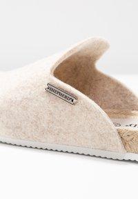 Shepherd - MARIA - Slippers - creme - 2