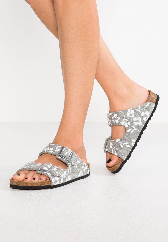 MATHILDA - Slippers - grey