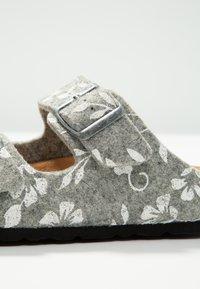 Shepherd - MATHILDA - Domácí obuv - grey - 2