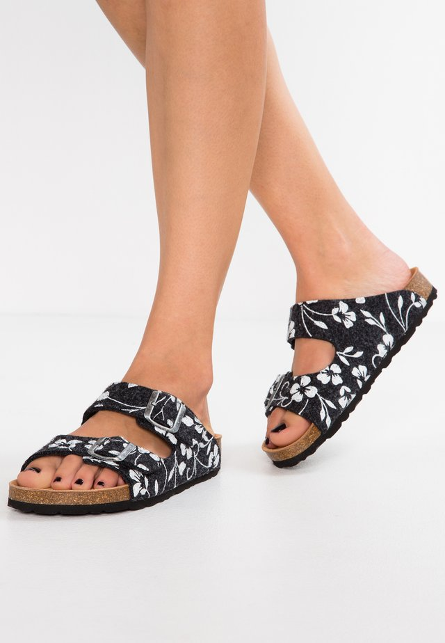 MATHILDA - Slippers - black