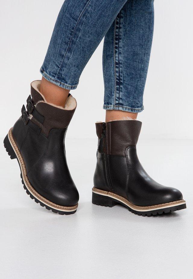 SMILLA - Kotníkové boty - black