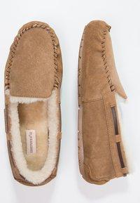 Shepherd - STEFFO - Domácí obuv - chestnut - 1