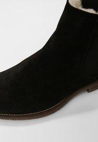 Shepherd - EMANUEL - Kotníkové boty - black - 5