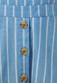 Sugarhill Brighton - ROSA CHAMBRAY STRIPE - Korte jurk - blue - 3