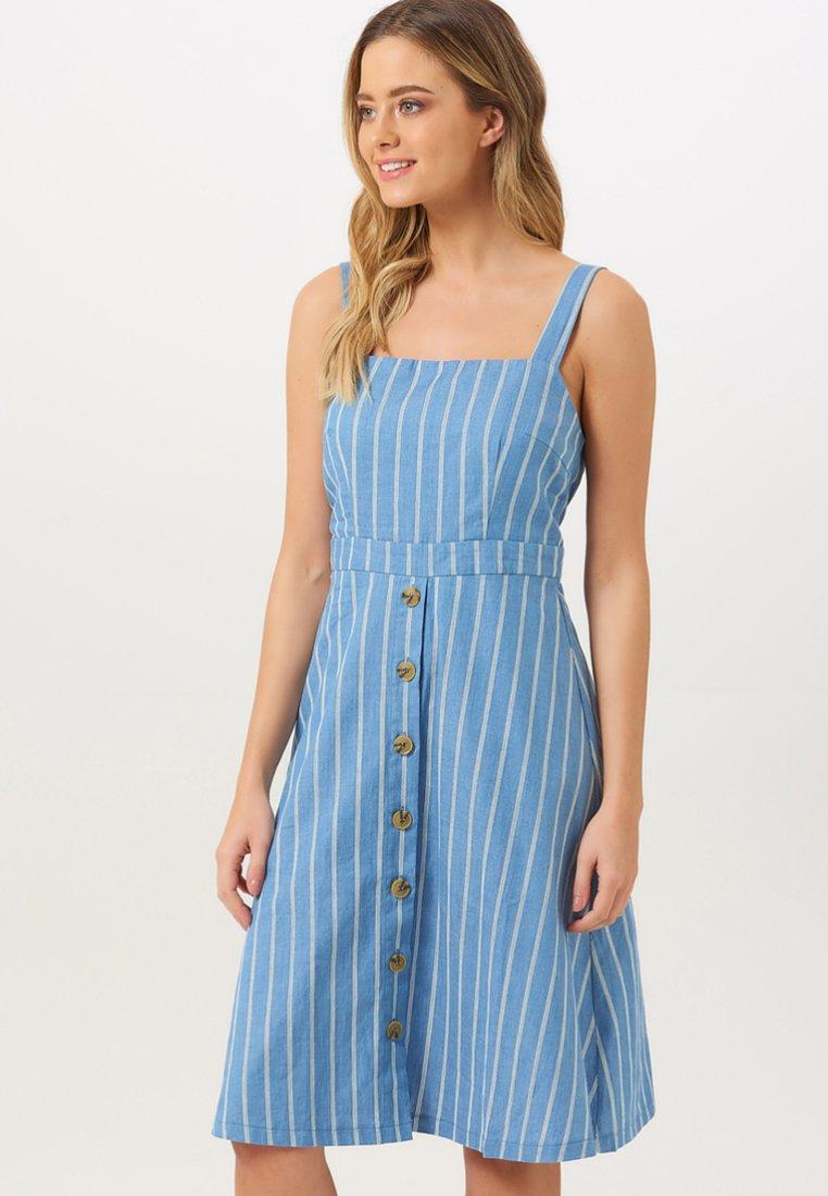 Sugarhill Brighton - ROSA CHAMBRAY STRIPE - Korte jurk - blue