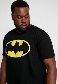 LOGOSHIRT - BATMAN LOGO - T-shirts med print - black - 5