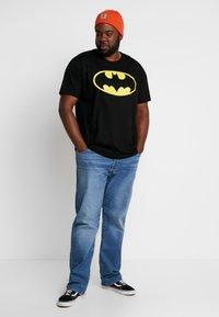 LOGOSHIRT - BATMAN LOGO - T-shirts med print - black - 1
