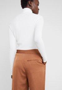 2nd Day - Pantaloni - brown - 3