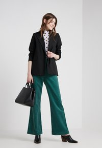 2nd Day - CURTIS - Pantalones - posy green - 1